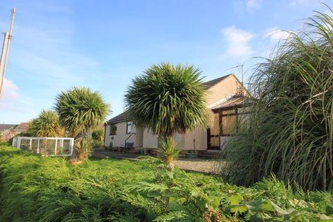 2 bedroom detached bungalow for sale - NEW  - Gorwel Estate, Amlwch