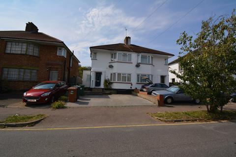 3 bedroom semi-detached house to rent - Highview Gardens, Potters Bar, EN6