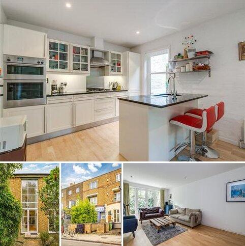 3 bedroom mews to rent - Coachmaker Mews, London, SW4