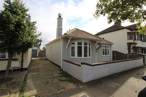 3 bedroom bungalow to rent - Tunbridge Road, Southend-on-Sea, SS2