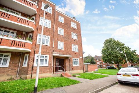 1 bedroom apartment for sale - Bradwell Close, London, E18