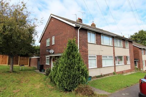 2 bedroom flat to rent - Chelsea Close, Keynsham