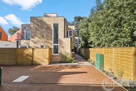 3 bedroom semi-detached house for sale - Pinehurst Mews, Haringey Park, Crouch End N8 (House 2)