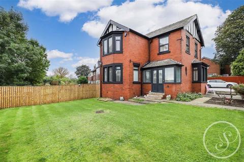 3 bedroom detached house for sale - Grove Road, Leeds