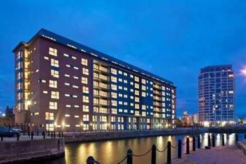 2 bedroom flat to rent - Waterside Apartments