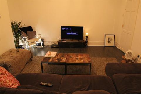 4 bedroom terraced house to rent - Regent Terrace, Hyde Park, Leeds, LS6 1NP