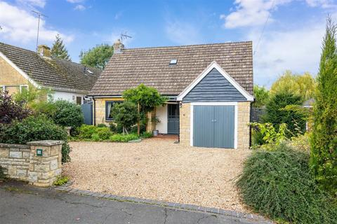 3 bedroom detached bungalow for sale - Furze Hill Road, Shipston-On-Stour, Warwickshire