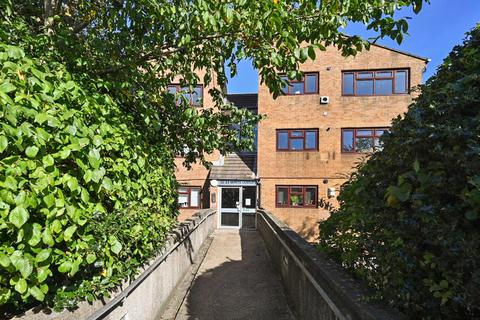 2 bedroom flat for sale - White Lodge, Wilbury Avenue, Hove