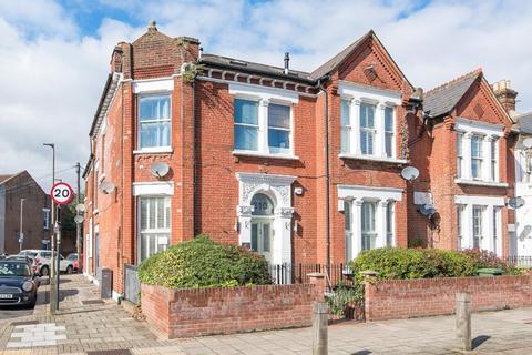 4 bedroom maisonette to rent - Earlsfield Road, London