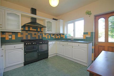 2 bedroom flat to rent - Sybourn Street, Walthamstow