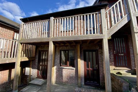 1 bedroom flat to rent - Market Street, Bodmin, PL31
