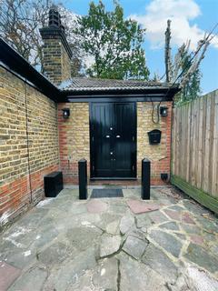 2 bedroom maisonette for sale - Plawsfield Road, Beckenham