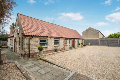 6 bedroom barn conversion to rent - Farriers Court, Scopwick, Lincoln