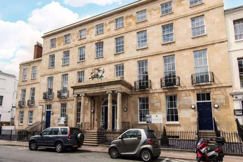 3 bedroom flat to rent - Town Centre GL50 3PG