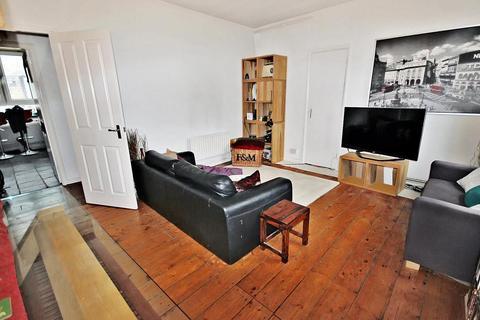2 bedroom apartment to rent - Renton Close, Brixton Hill