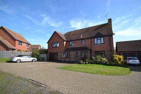 5 bedroom house for sale - Wayfarer Gardens, Burnham-On-Crouch