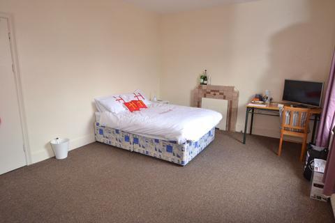 5 bedroom house to rent - Mabel Grove, NG2 - NTU
