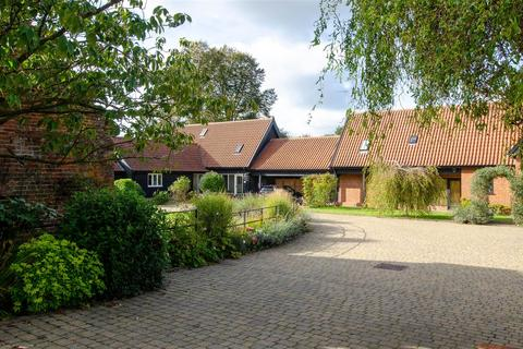 4 bedroom barn conversion for sale - Lower Street, Salhouse, Norwich