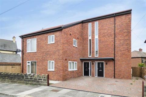 2 bedroom flat to rent - Balkwell Avenue, North Shields