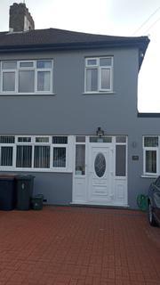 4 bedroom semi-detached house to rent - Ruislip, HA4