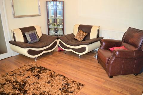 2 bedroom flat to rent - Queensmead 573 Longbridge Road Barking IG11