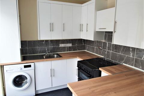 3 bedroom terraced house to rent - Walton Road, London, E12