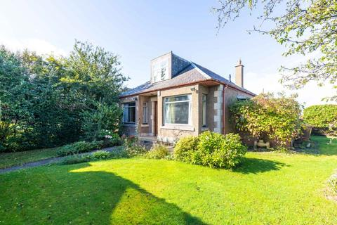 4 bedroom bungalow for sale - 5 West Craigs Crescent, Maybury, Edinburgh EH12 8LY