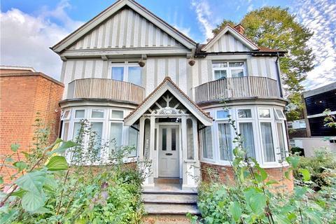1 bedroom apartment for sale - Broom Warren, Broom Road, Teddington, TW11