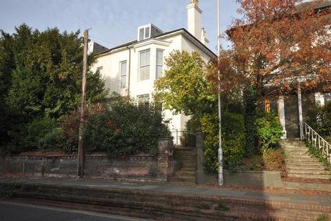 1 bedroom flat to rent - Old Dover Road Canterbury CT1