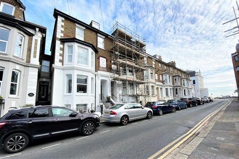 2 bedroom flat for sale - Ranelagh Road, Deal, CT14