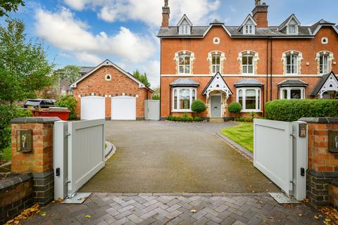 5 bedroom semi-detached house to rent - Avenue Road, Dorridge