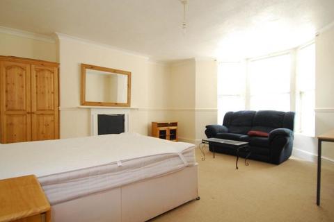 2 bedroom terraced house to rent - Alexandra Road, Mutley