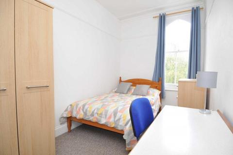 4 bedroom apartment to rent - Napier Terrace, Plymouth