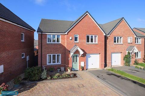 4 bedroom detached house for sale - Desmond Rochford Way, Taunton