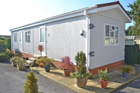 2 bedroom park home for sale - Doveshill Park, Barnes Road, Ensbury Park, Bournemouth