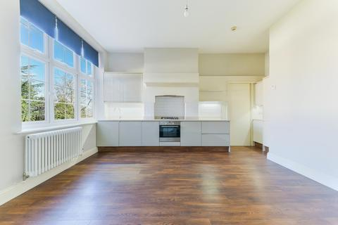 2 bedroom apartment to rent - Augustus Road, SW19