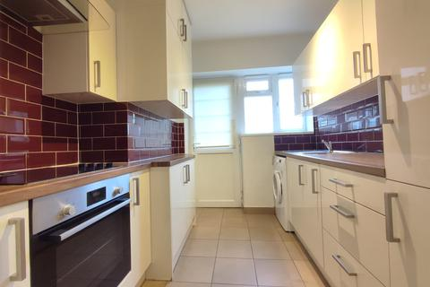 2 bedroom flat to rent - Bell Lane, London, NW4