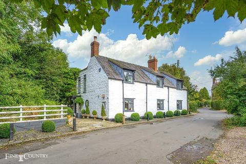3 bedroom detached house for sale - Langham
