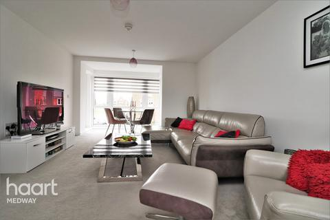 2 bedroom apartment for sale - Village Road, Rochester