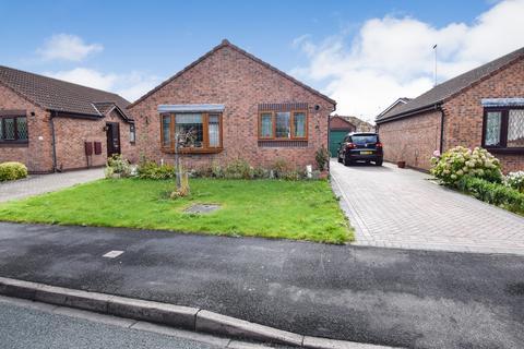 2 bedroom bungalow for sale - Avocet Way, Bridlington, East Riding of Yorkshire