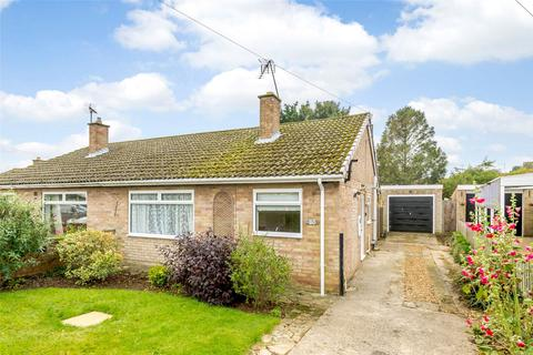 2 bedroom bungalow for sale - St Peters Rd, Oundle, PE8