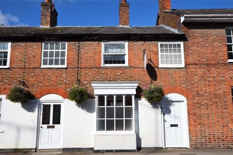 2 bedroom property to rent - High Street, Pewsey, SN9