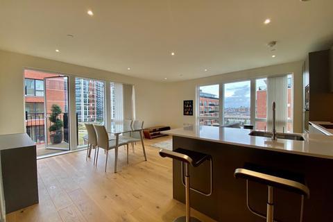 2 bedroom flat to rent - Amphion House, 5 Thunderer Walk, Royal Arsenal Riverside, London SE18