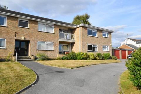 2 bedroom flat for sale - 28 Bramley Road Ferndown BH22 9JJ