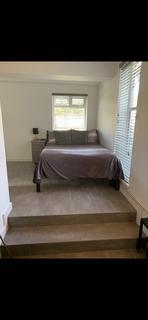 Studio to rent - Burnside Road Studio LG4 Chadwell Heath RM8 1XD