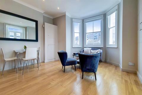 2 bedroom flat for sale - Queenstown Road, SW8
