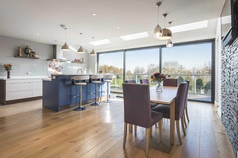 6 bedroom detached house for sale - Vicarage Road, Tunbridge Wells