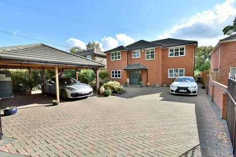 5 bedroom detached house for sale - Riverside Road, West Moors, Dorset, BH22 0LG