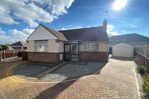 2 bedroom detached bungalow for sale - Kingswell Close