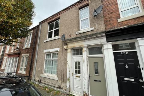3 bedroom flat for sale - John Williamson Street, Laygate, South Shields, Tyne and Wear, NE33 5HW